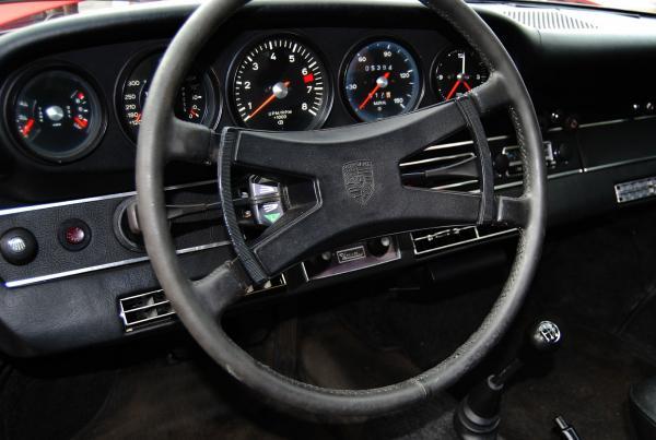 1972 Porsche 911 T interior