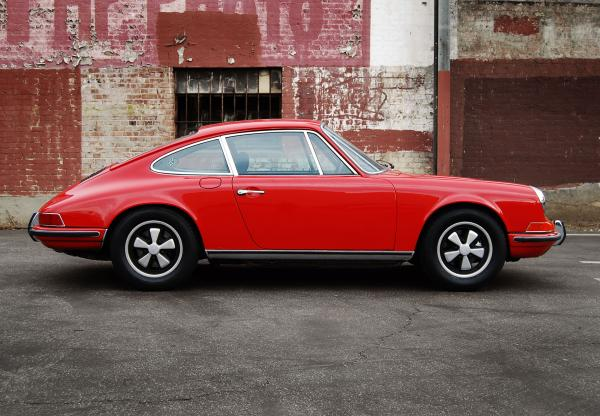 1972 Porsche 911 T seen from the right side