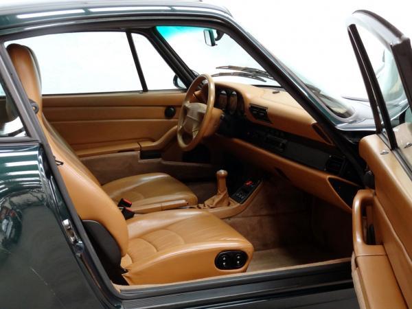 1996 993 Carrera 4 interior, seen from the passenger door